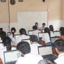 Cetak Lulusan Berdaya Saing Tinggi, 806 Siswa SMK PGRI 3 Denpasar Ikuti UNBK