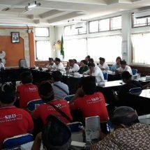 Driver Konvensional Minta Layanan Aplikasi Taxi OnlineDitutup