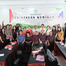 "FKIP Undwi Gelar Workshop ""Revisi Kurikulum"" untuk Prodi PGSD dan Prodi Bahasa Inggris"