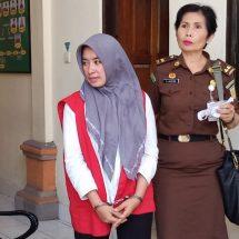 Dipenjara 2,5 Bulan, Pedagang Jamu Menangis
