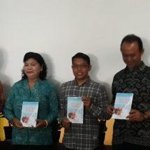 "Launching Buku ""Susu Sapi Bali sebagai Satvika Bhoga"", Prof. Sucipta: Tinggi Khasiat Susu Sapi Bali"