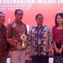 Rakornas Pengendalian Inflasi, Wapres Serahkan Penghargaan TPID Berprestasi kepada Badung