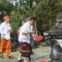 Jelang HUT ke-74 RI, Kepala BI Provinsi Bali dan Pimpinan Perbankan Tabur Bunga di Taman Pujaan Bangsa Margarana