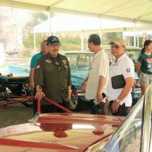"Tutup Pameran ""Bali Classic Motor Show"", Wagub Cok Ace Kendarai Mobil Bung Karno"