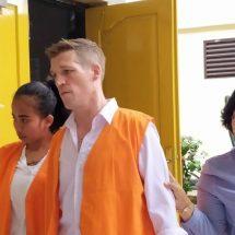 Sidang Narkotika: Jaksa Tuntut Enam Tahun, Hakim Vonis Bule Inggris Tiga Tahun Penjara