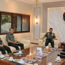 Komandan PMPP TNI Kunjungi Yonzipur 18/YKR dan Makodam IX/Udayana