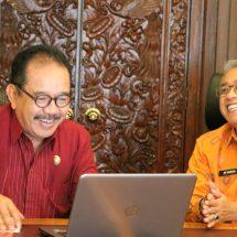 Kepala BPS Dampingi Cok Ace Isi Data Sensus Penduduk Online 2020