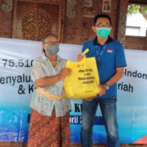 Dampak Covid-19, FIF Cabang Kuta Serahkan Bantuan 250 Paket Sembako