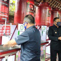 Lagi, BMPD Bali Serahkan Bantuan APD dan Sembako di Gianyar