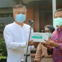 Hainan Cina Bantu 50.000 Masker Medis dan Baju Coverall ke Bali
