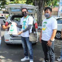 """KPF Bali Peduli Jurnalis, Gelar Program """"Sharing is Caring"""" Bagikan Paket Sembako"""