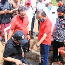 Gubernur Koster Ingin Guru di SMAN 1 Abang Asli Warga Kecamatan Abang