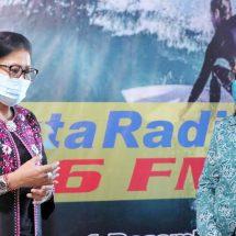 Ny. Putri Koster Serahkan Seribu Masker Wujudkan 'Gerakan Bersama Memakai Masker dan Mandiri Untuk Bali