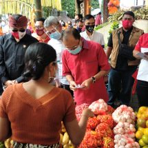 Bantu Petani dan UMKM, Gubernur Koster Apresiasi Semua Instansi Ikut Gelar Pasar Gotong Royong