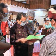 Gubernur Koster Hadiri Penyerahan Sertifikat PTSL Secara Virtual oleh Presiden Jokowi