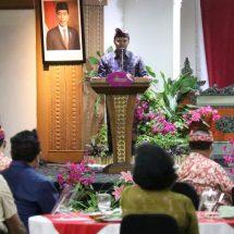 Hadiri Peringatan HKN ke-56, Sekda Bali : Disiplin adalah Kunci Dari Kesehatan Melawan Covid-19.