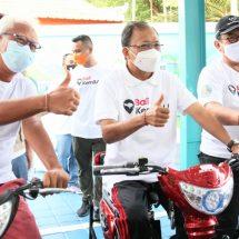 Dukung Bali Energi Bersih, Gubernur Koster Lepas Sepeda Listrik Santai