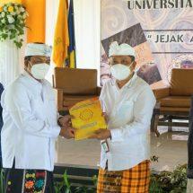 Launching Buku 'Jejak Awal Hindu di Indonesia' Karya Alm. Prof. Dr. IB Mantra