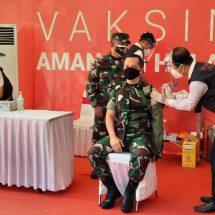 Kasdam IX/Udayana Turut Divaksinasi Covid-19 di Provinsi Bali