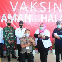 Wakapolda Maluku Utara 10 Orang Pertama yang Divaksin