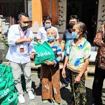 Peduli Warga Terdampak Covid-19, Pegadaian Denpasar Kembali Serahkan Bantuan Sembako