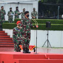Panglima TNI Pimpin Apel Gelar Kesiapan Tenaga Vaksinator dan Tracer Covid-19