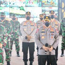 Panglima TNI dan Kapolri Tinjau Proses Vaksinasi Personil TNI-Polri di GOR Kepaon Denpasar