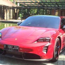 Mobil Listrik Porsche Taycan Hadir di Bali