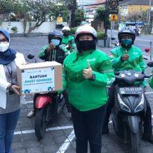 Pelindo Bagikan Sembako Gratis Bagi Pengemudi Angkutan Umum dan Angkutan Daring di Denpasar