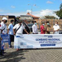 Ringankan Beban Warga di Saat Pandemi, Grup Astra Bali Bagikan 500 Paket Sembako Nasional