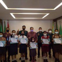 Serangkaian HUT ke-19 Tahun, KSP Guna Prima Dana Gelontorkan Sembako ke- 4 dan Serahkan Beasiswa