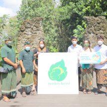 Maharani Kemala Foundation Beri Bantuan 12 Ton Ubi dan Jagung untuk Satwa di Monkey Forest