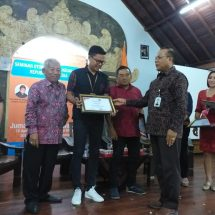 IKIP PGRI Bali Gandeng Anggota Komisi XI DPR RI dan OJK Gelar Seminar Keuangan