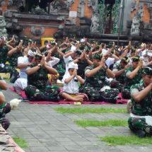 Serangkaian HUT ke-62, Kodam Udayana Tirtayatra ke Pura Kahyangan Jagat di Bali