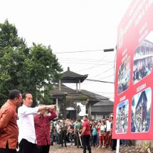 Kunjungan Kerja ke Bali, Jokowi Tinjau Revitalisasi Pasar Sukawati