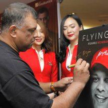 "Buku ""Flying High"" Tony Fernandes Ungkap Rahasia dan Kisah Menarik Membangun AirAsia"