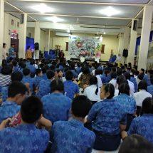 """Sasar 6 Ribu Siswa SMP di Bali, SMASHED ProjectBeri """"Life Skills"""" Atasi Kebingungan, Kecemasan dan Konflik yang Dihadapi Remaja"""