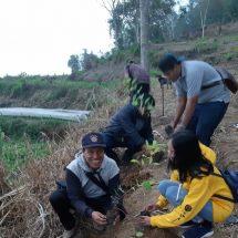 Fisip UNR Tanam Seribu Pohon Penghijauan di Kawasan Danau Buyan