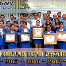 "PT BPR Bali Dewata Lima Kali Berturut-turut Raih Penghargaan ""Golden Award"""