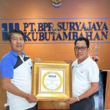 BPR Suryajaya Kubutambahan Raih Empat Kali Golden Award dan Predikat NPL Terkecil di Bali