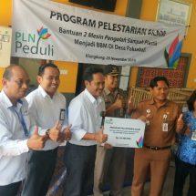 Konsen Sampah Plastik, PLN UID Bali Bantu Mesin Pengolah Sampah Plastik di Paksebali