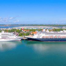 Lagi, Dua Kapal Pesiar Mewah Bawa Ribuan Turis Sandar di Pelabuhan Benoa