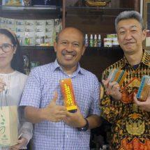 Promosikan Obat Tradisional Herbal, Direktur Jurnal Bergengsi di Jepang Temui Pak Oles