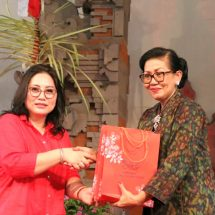 Ny. Putri Suastini Koster: Kunjungan TP PKK Sulawesi Utara Hibur Pariwisata Bali