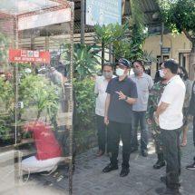 Cegah Covid-19, Pasar Rakyat di Denpasar Dipasang Bilik Antiseptik