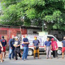 KBKPR Pemogan Bagikan Ribuan Masker dan Nasi Bungkus