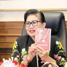 Ny. Putri Koster Ajak HISKI Bali Kawal Pengembangan Sastra Modern
