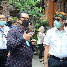 Wagub Cok Ace Dampingi Menkumham dan Menlu RI Sambangi Pasar Seni dan Puri Ubud