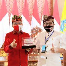 Gubernur Koster Bangga Kain Gringsing Bali Menjadi Simbol Uang Kertas Rp75 Ribu