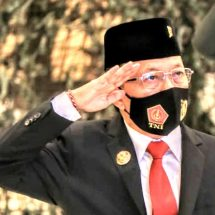 Gubernur Koster Ikuti Upacara HUT ke-75 TNI